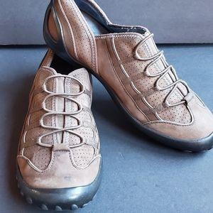 Clarks Privo Brown Elastic Slip On Walking Shoe